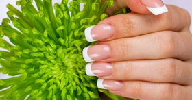 7 solutions for problems with natural nails