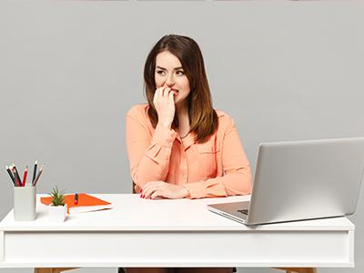 5 - разрушающих привычек которые усугубляют жизнь ногтей. Как их побороть?